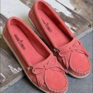 [Minnetonka] Pink moccasins
